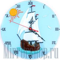 Настенные часы из фьюзинга Парусник